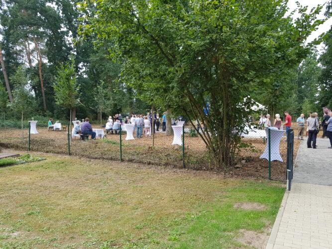 Waldbestattungshain Leineaue eröffnet